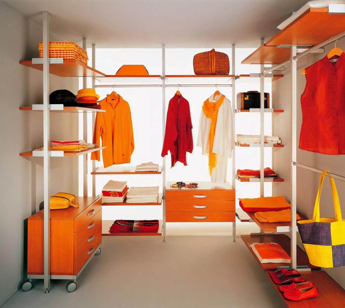 Заказать лучшие российские готовые гардеробные системы и под.