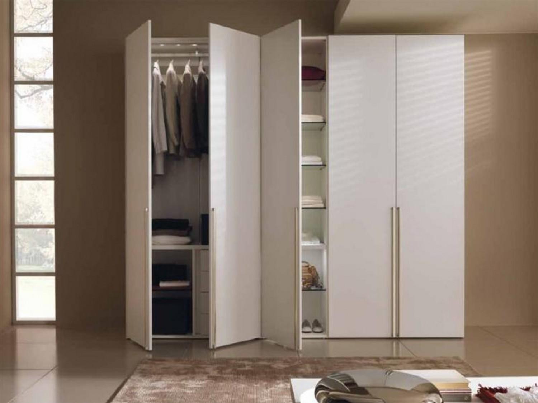 Шкафы с распашными дверями фото.